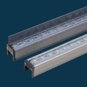 Светится светодиодная лампочка при выключенном свете