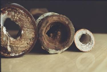 Чем почистить канализационные трубы в домашних условиях