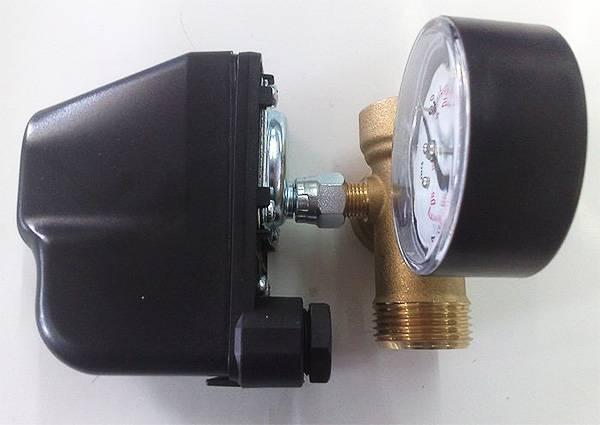 Установка реле давления воды для насоса