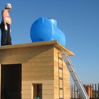 Как обустроить душ на даче без водопровода