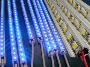 Светодиодная лампа светит тускло