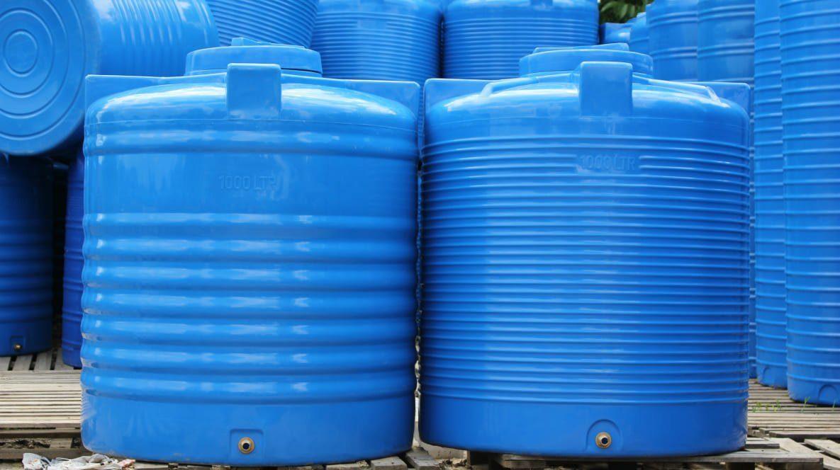 Пластиковые емкости для питьевой воды